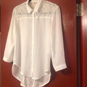 Pretty white, Hollister blouse. Lacy gorgeous! xs